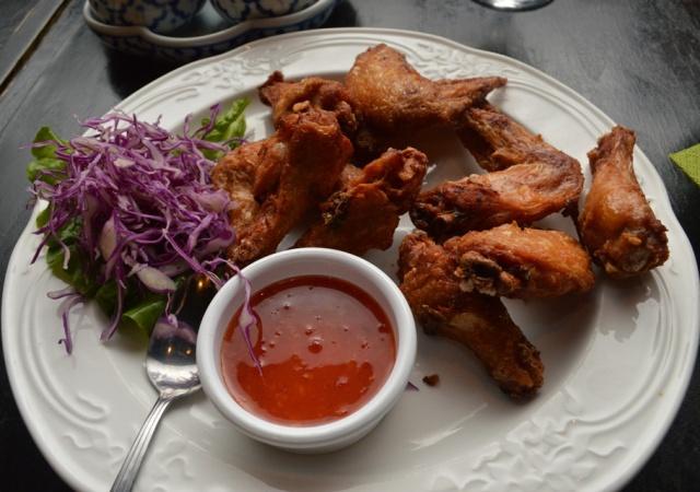 Chicken Wings Bai Tong